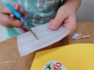 Recorte da letra A, desenhada no interior da embalagem Tetra Pak da marca Compal.