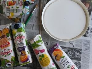 Embalagens tetra pak da marca Compal  Tampa de balde de tinta Lã Cola Tinta Guardanapos