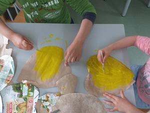 Fase de construção - pintura em amarelo da face interna já pronta.