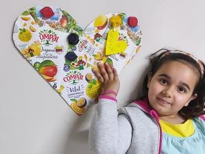 """""""Coração Amarelo""""- Mariana Tendeiro 1º ano (Este trabalho foi realizado em casa, no período de quarentena e enviado)."""