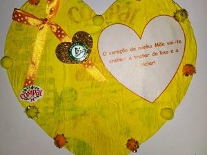 No Dia da Mãe o Coração é Amarelo (Tetra Pak) N.1 Tomás