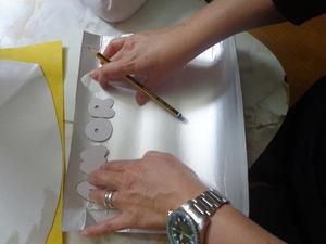 Desenho e Recorte das letras AMOR DE MÃE