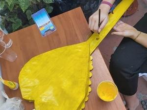 Pintura da parte detrás da guitarra