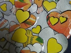 4-Montagem e colagem (com cola nature) de todos os corações recortados