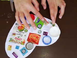 Montagens das várias peças no coração - pormenor da embalagem tetrapack.