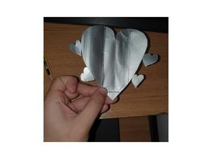 O aluno escolheu apresentar o coração cinzento que representa o abandono da mãe!