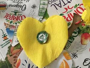 O símbolo da Tetra Pak temos que o destacar e colocar também nos corações.