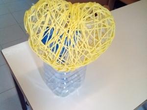 Coração amarelo em fase de construção